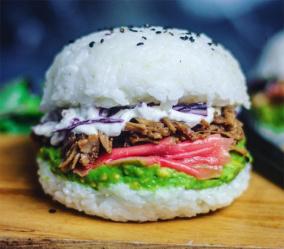 Суши-бургеры - новый гастрономический тренд для молодежи!