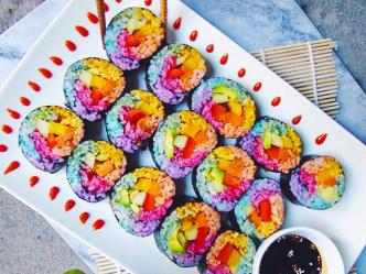 Радужные суши - яркий тренд этого года!